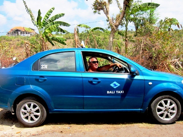 Транспорт на бали, заказать такси на Бали, цена на такси на бали, договориться с таксистом