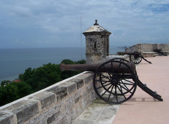 защита от пиратов, форты мексики, охрана города,крепостная стена