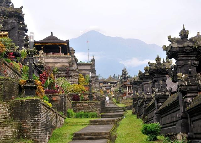 5 храмов Бали, храм на воде бали, храм улувату, бали чудеса света, тысяча храмов