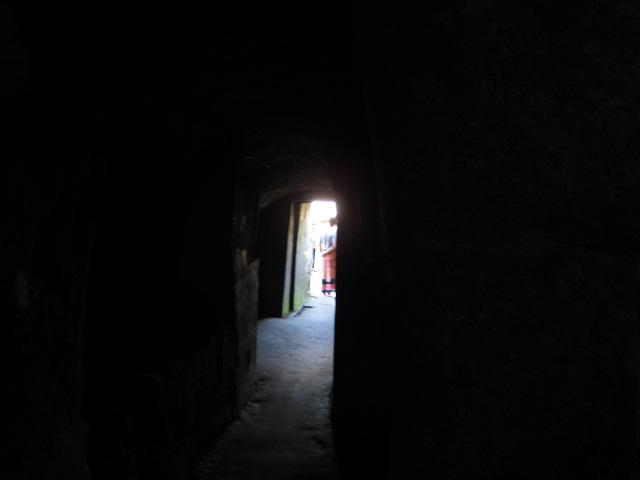 храм, храма, слона, пещеру, пещеры, бали, ганеши, бога, здесь, пещера, примерно, статуи, находиться, вход, входа, поэтому, даже, территорию
