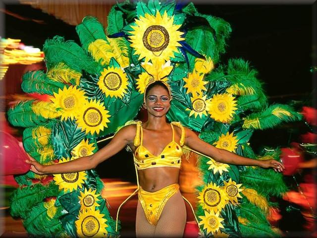 Доминикана фото, Сан-Педро-де-Макорис фото, фото карнавал доминикана, пещера Лос-трес-Охос (Три глаза).