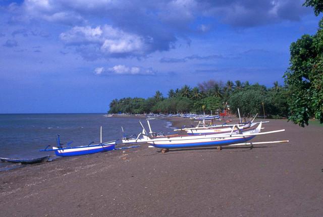 Ловина пляж