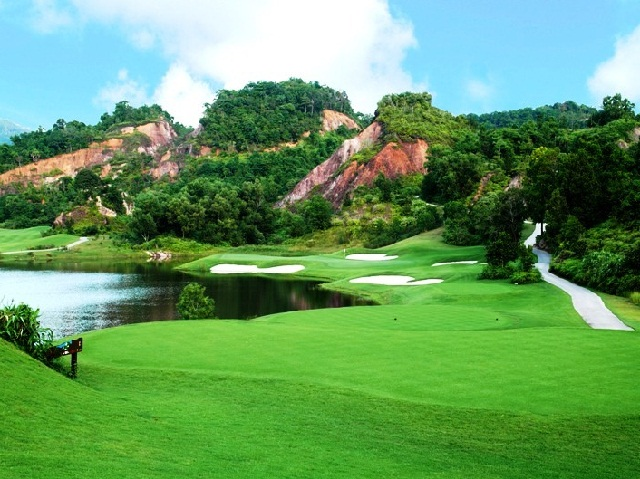 лучшие поля для гольфа в Таиланде