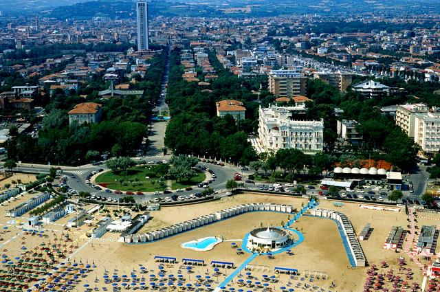 где отдохнуть в Италии,информация туристам,где лучше отдыхать в италии,где дешево отдохнуть в италии,италия туры,купить тур,шоппинг в италии,тур по городам италии,летние туры в италию