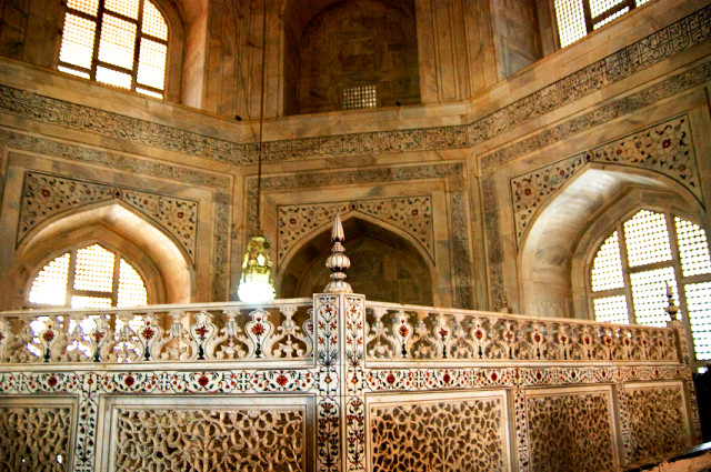 тадж махал история,находится тадж махал,мавзолей тадж махал,город тадж махал,Семь чудес света