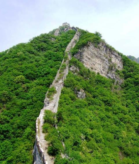 стены, стена, Китая, веке, тысяч, сооружения, эпоха, метров, века, является, проходит, историки, народов, Цинь, строить, пустынь, Великую, сохранилась