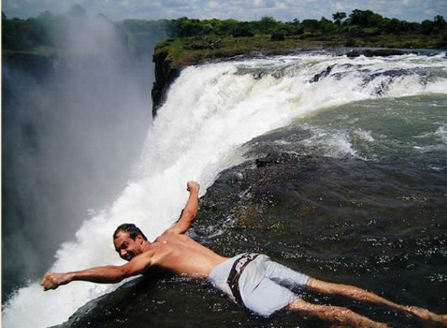 Водопад, водопада, время, является, Зимбабве, птиц, Моси-оа-Тунья, паводка, составляет, Замбии, Африки, парком, расположен, стороны, можно, реке, километров, национальным