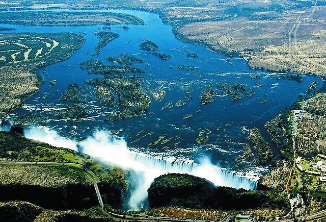 чудо вода фото,чудеса воды,чудеса под водой,вода чудо природы,настоящая сила воды,давление воды